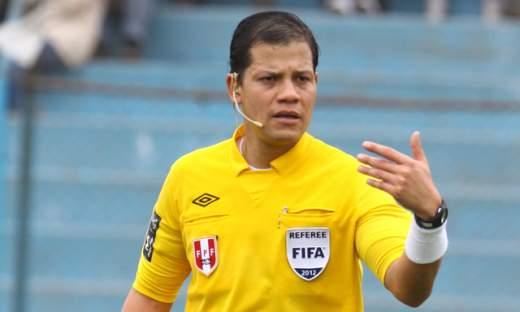 El referí nacional Víctor Hugo Carrillo es uno de los candidatos para dirigir en el mundial Brasil 2014
