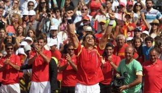 La armada española celebra nuevamente otro pase a la final del Grupo Mundial de Copa Davis, gracias al triunfo de David Ferrer