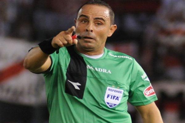 El árbitro argentino Pablo Lunati dirigirá el encuentro por clasificatorias entre Paraguay y Perú