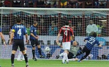 Inter ganó 1-0 al AC Milan en una nueva versión del clásico de la madonnina
