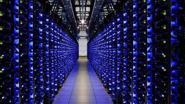 Google intentó impactar con imágenes de servidores