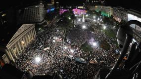 Toma aérea del masivo cacerolazo en Buenos Aires
