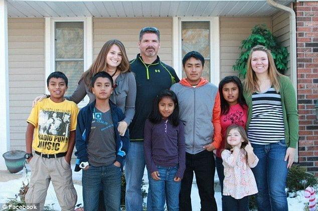 Scott y Sterling Lauren con sus hijos Yhonson, Gerson, Betsi, Joel y Sibila