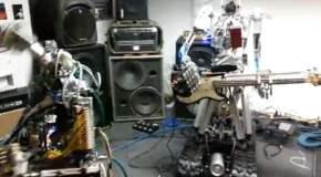 """La banda """"Compressor Head"""", integrada por robots"""