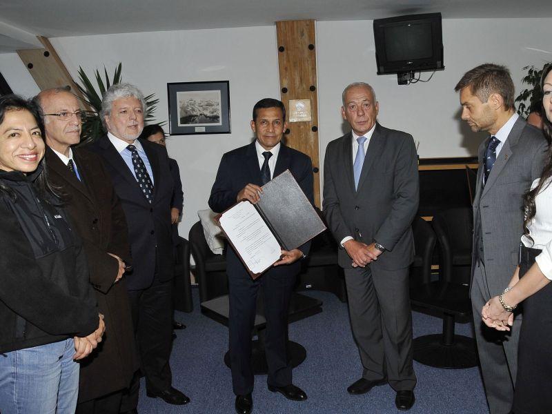 Jefe del Estado, Ollanta Humala Tasso, arribó a la ciudad argentina de Ushuaia, desde donde mañana partirá a la Antártida.Foto: Secretaría de Prensa de Palacio de Gobierno.
