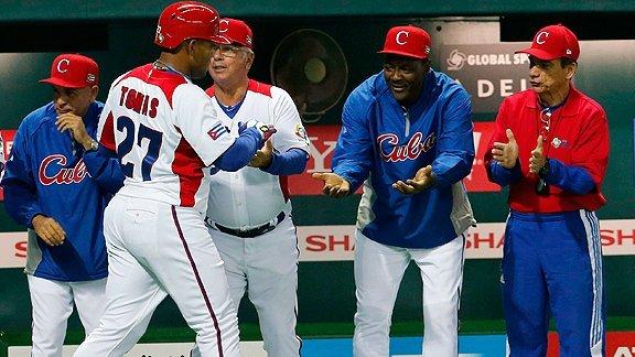 Cuba sorprendió al campeón mundial al derrotarlo en Fukuoka, logrando el liderato en su grupo.