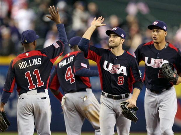 Estados Unidos celebra el triunfo ante Canadá, el cual lo instaló en la segunda rueda del Clásico Mundial.