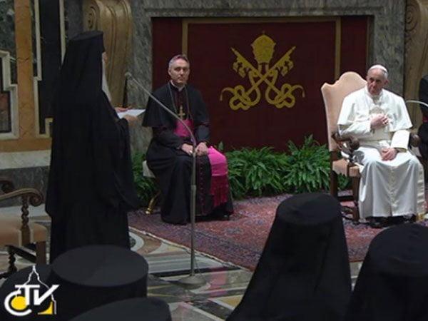 Histórico: El Papa Francisco recibe a líder de Iglesia Ortodoxa