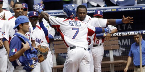 Los dominicanos revirtieron cuatro carreras de diferencia contra Italia y están a un paso de las semifinales del Clásico Mundial.