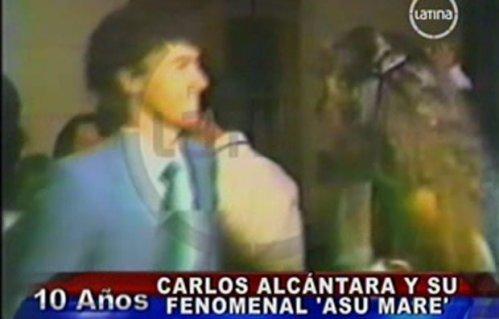 Asu Mare: Carlos Alcántara en inédito video de fiesta en 1984