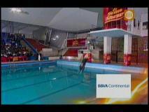El Gran Show: Kenji Fujimori se lanzó a piscina desde 5 metros de altura