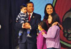 """Ollanta Humala: """"Un fuerte abrazo a todas las madres peruanas"""""""