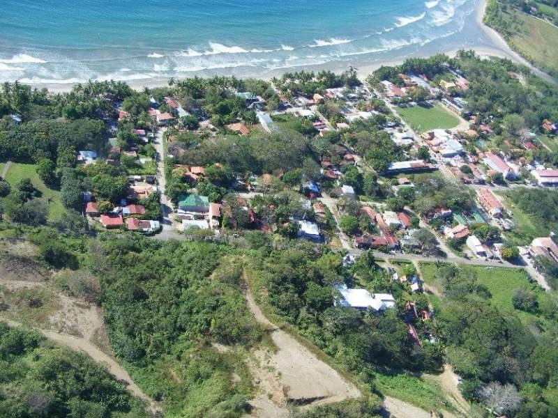 Fuerte sismo remece Costa Rica y provoca pánico en población