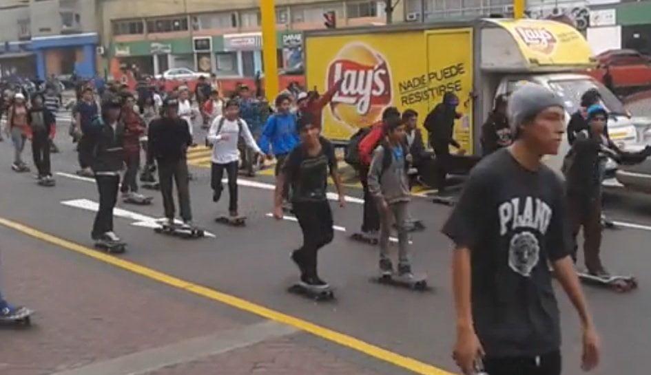Skaters peruanos llegan al Congreso y exigen reconocimiento legal