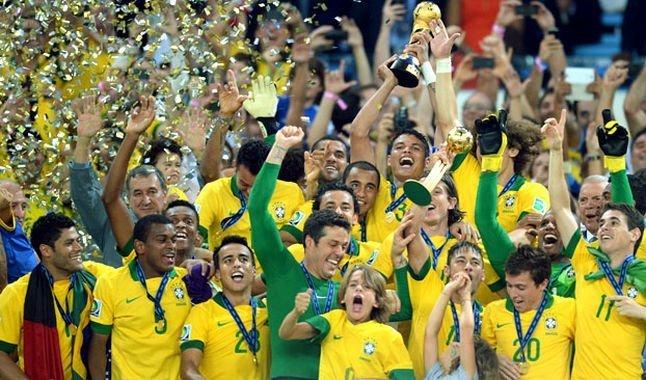 Brasil celebra el campeonato de la Copa FIFA Confederaciones 2013 conquistado como anfitrión.