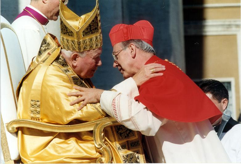 """Cipriani sobre santificación de Juan Pablo II: """"Nos alegra y comparto este gozo"""""""