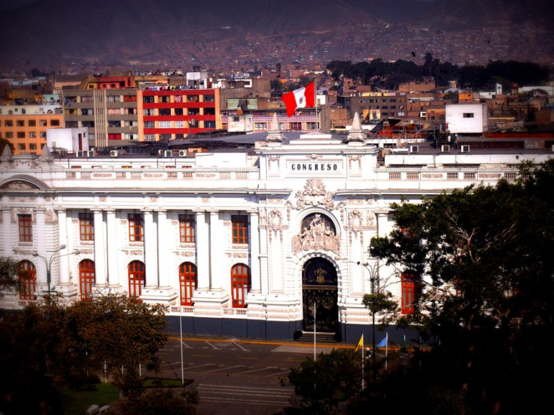 Gana Perú propone que cargo de congresista sea renunciable