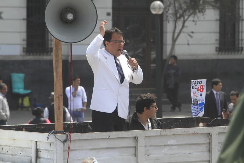 """Dirigente de médicos en huelga: """"Me amenazan y me quieren satanizar"""""""