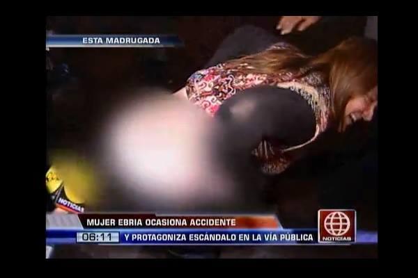 (Video) Mujer ebria muestra de más ante las cámaras de TV