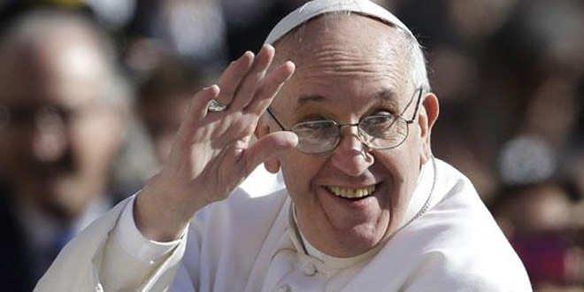 Escribe al Papa Francisco y él te puede llamar por teléfono