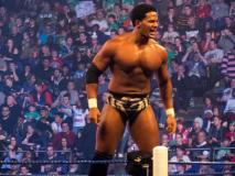 Luchador de la WWE confiesa que es gay (Video)