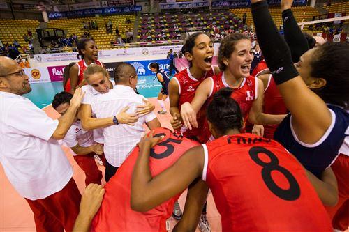 Todo el Perú celebra el pase a semifinales del sexteto de vóley de menores.