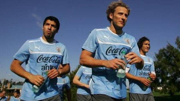 Suárez, Forlán y Cavani enfrentarán a Perú el 6 de septiembre en Lima.