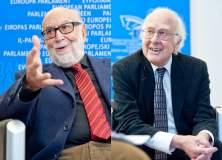 Premio Nobel de Física es para belga Englert y británico Higgs