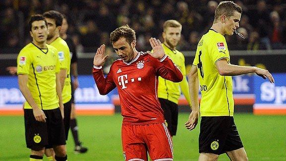 Götze pide disculpas a su ex equipo al marcar el primer gol de la victoria del Bayern Munich.