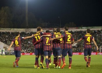 Barcelona ganó y se distanció como líder de la Liga española tras el empate de su escolta.