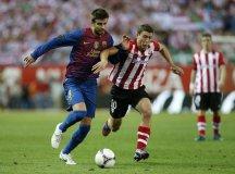 Bilbao buscará acabar con el invicto del líder Barcelona este domingo.