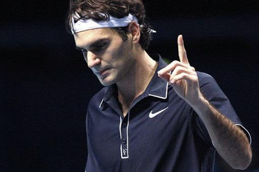 Federer ganó y el sábado buscará acceder a la siguiente fase de las Finales ATP frente a Del Potro.