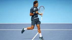 Roger Federer avanzó a las semifinales del Torneo de Maestros tras eliminar a Del Potro.