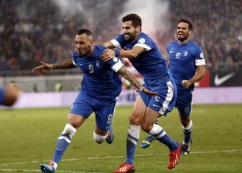 Grecia tiene la primera opción para clasificar al mundial. El gol de visita marcado por Rumania mantiene la serie abierta.
