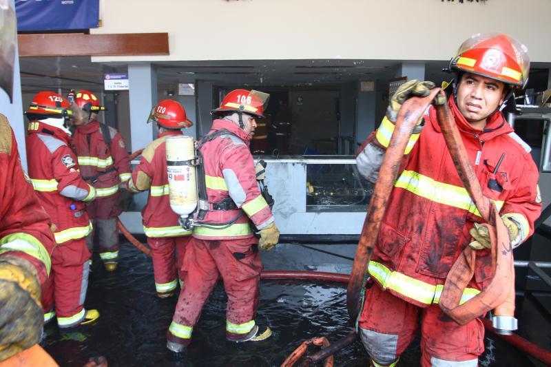 Incendio en La Victoria: Aclaran que no despidieron a bomberos de sus empleos