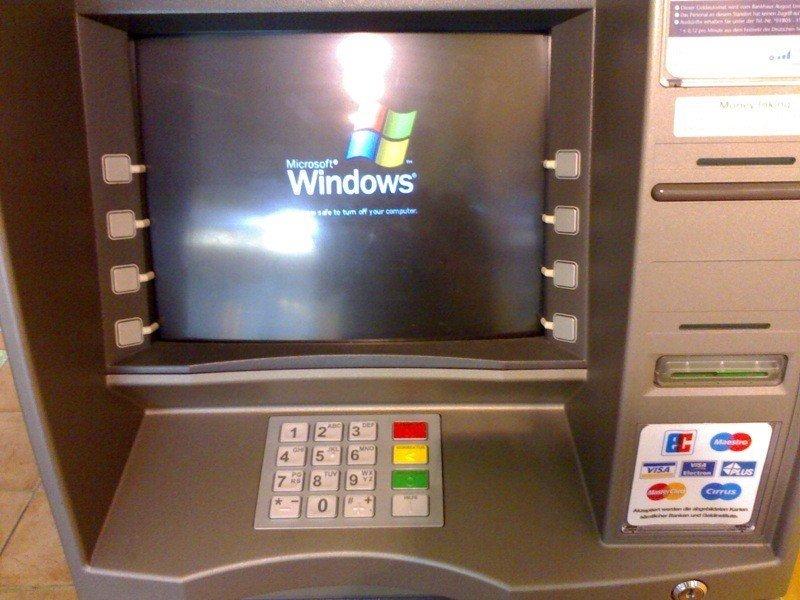Revelan lo sencillo que es robar en cajeros automáticos con USB