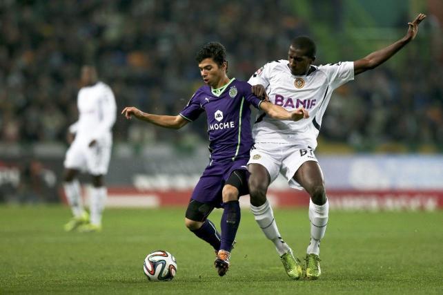 Con el 0-0 entre  Sporting de Lisboa (con camiseta alterna morada) y Nacional, se originó un triple empate en la punta.