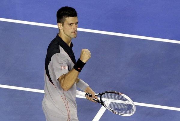 Novak Djokovic avanzó a los octavos de final donde enfrentará al italiano Fognini.