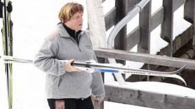 Canciller alemana Angela Merkel también sufrió accidente de esquí