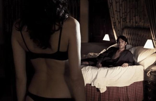Mirar mujeres desnudas puede aumentar inteligencia de los varones