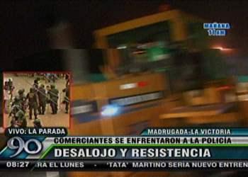 Foto 90 Segundos / La Parada: Se inicia rescate sanitario y destruyen puestos esta madrugada