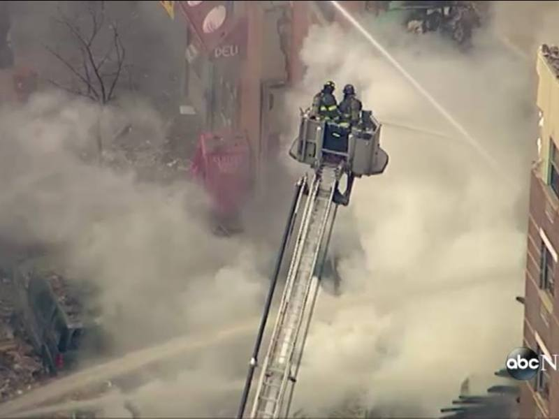Foto ABC News / Explosión y derrumbe en edificios de NY deja tres muertos y varios heridos
