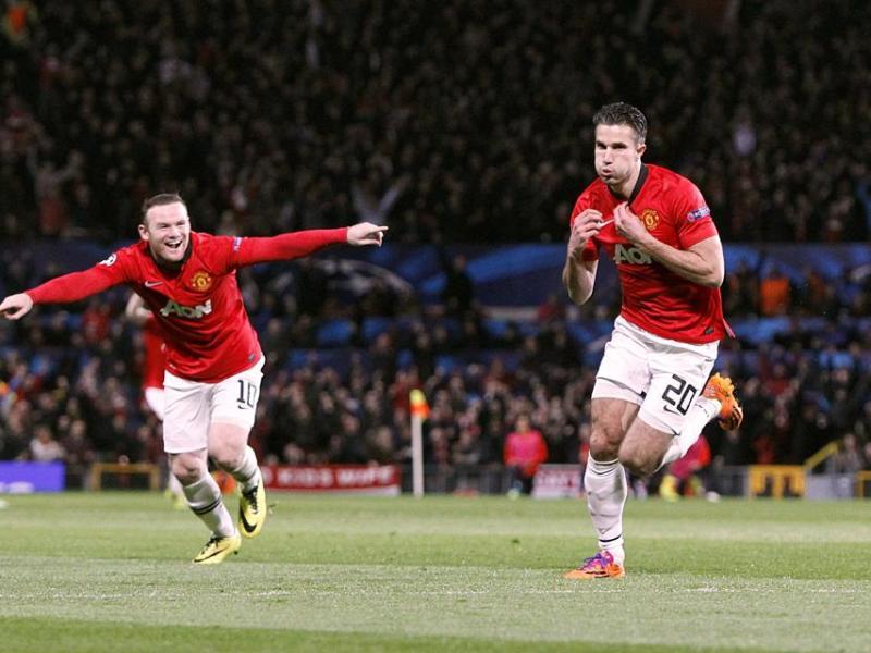 Van Persie llevó con sus goles al Manchester United hacia los cuartos de final de la Champions.