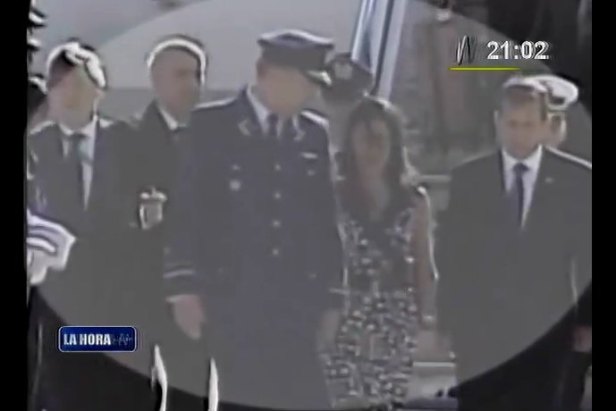 [VIDEO] Nadine Heredia rompe protocolo en Chile y pasa por alfombra roja con Humala