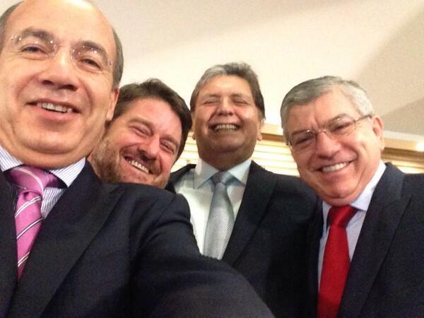 Foto Twitter / Selfie de Alan García, Felipe Calderón y César Gaviria sorprende en redes sociales