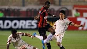 """La """"U"""" sumó su tercera derrota en la Copa Libertadores (la segunda en condición de local)."""