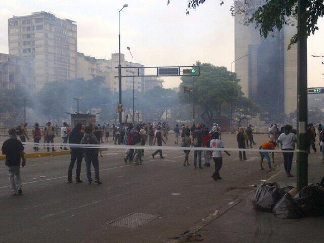 (Twitter) Venezuela: Represión en Altamira contra manifestantes antichavistas