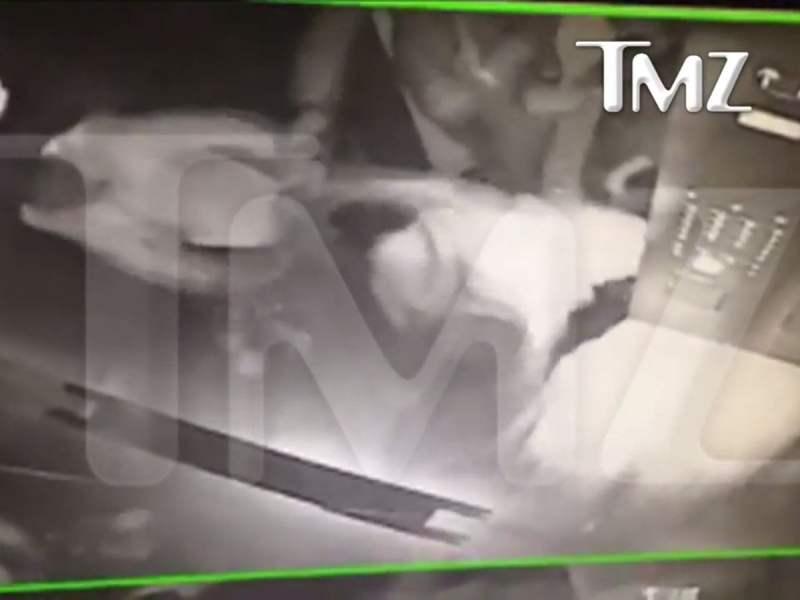 [VIDEO] De impacto: Hermana de Beyoncé ataca a Jay Z en ascensor