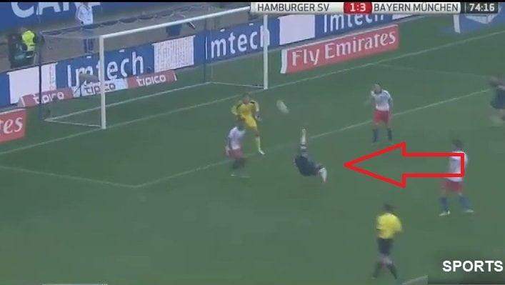 [VIDEO] Mira el golazo que anotó Claudio Pizarro de chalaca contra el Hamburgo