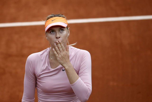 María Sharapova blanqueó a la argentina Ormaechea y se clasificó entre las 16 mejores tenistas del Roland Garros.